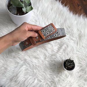 Vintage leather bohemian belt white black small